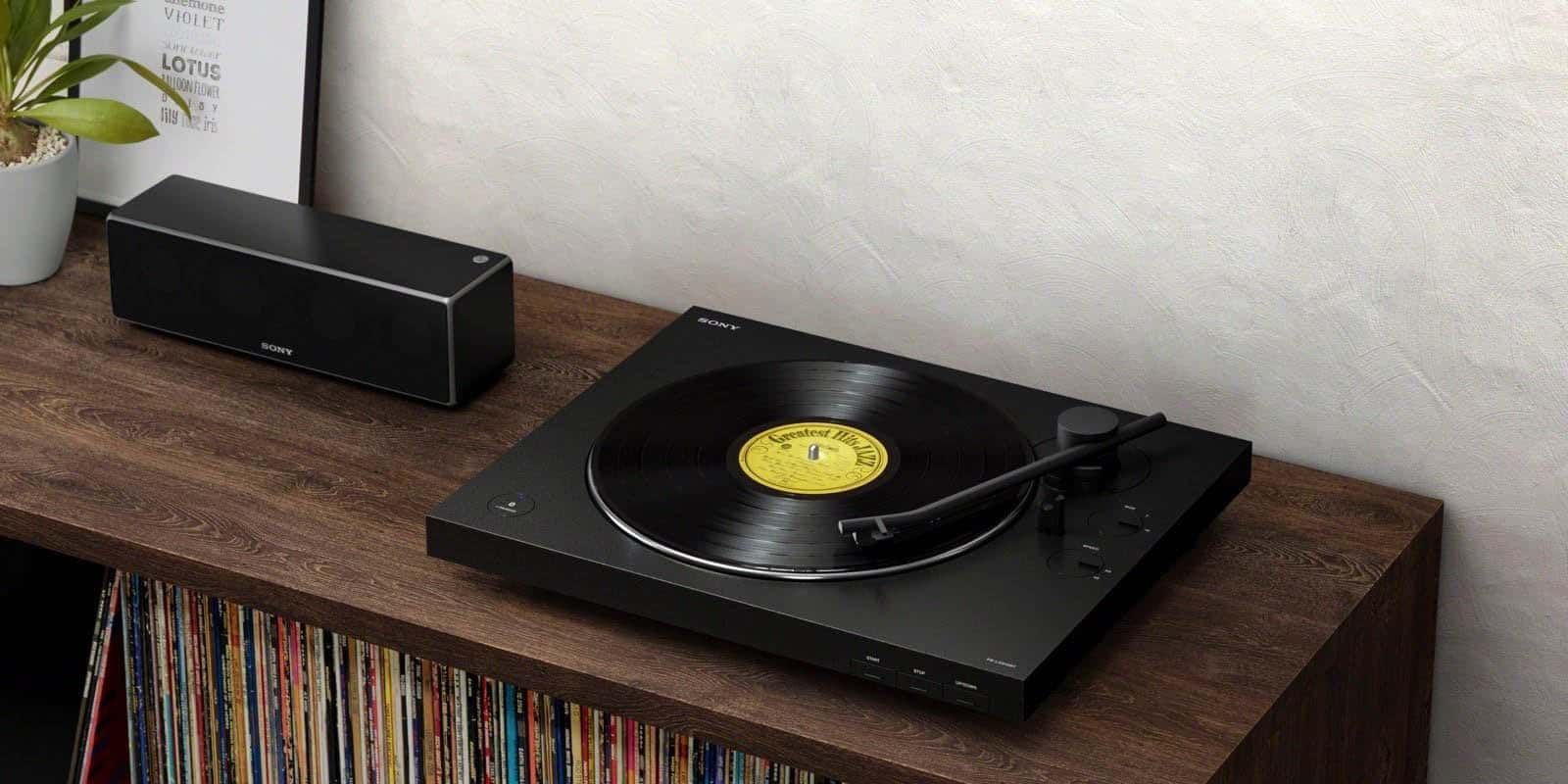 featured image for the best turntable under 200 post