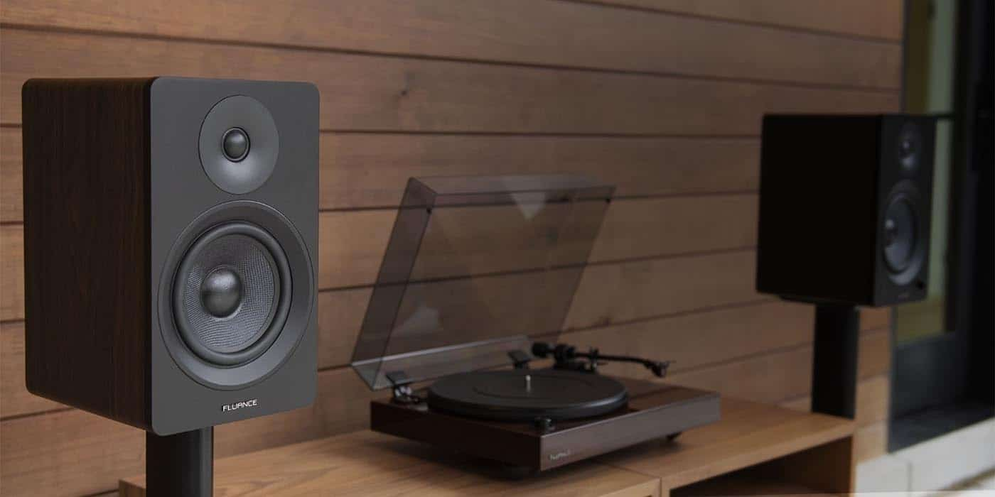 featured image for 7 best bookshelf speakers under $300 article